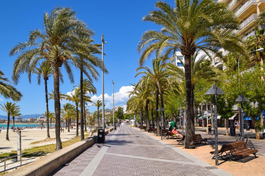 El Arenal Promenade