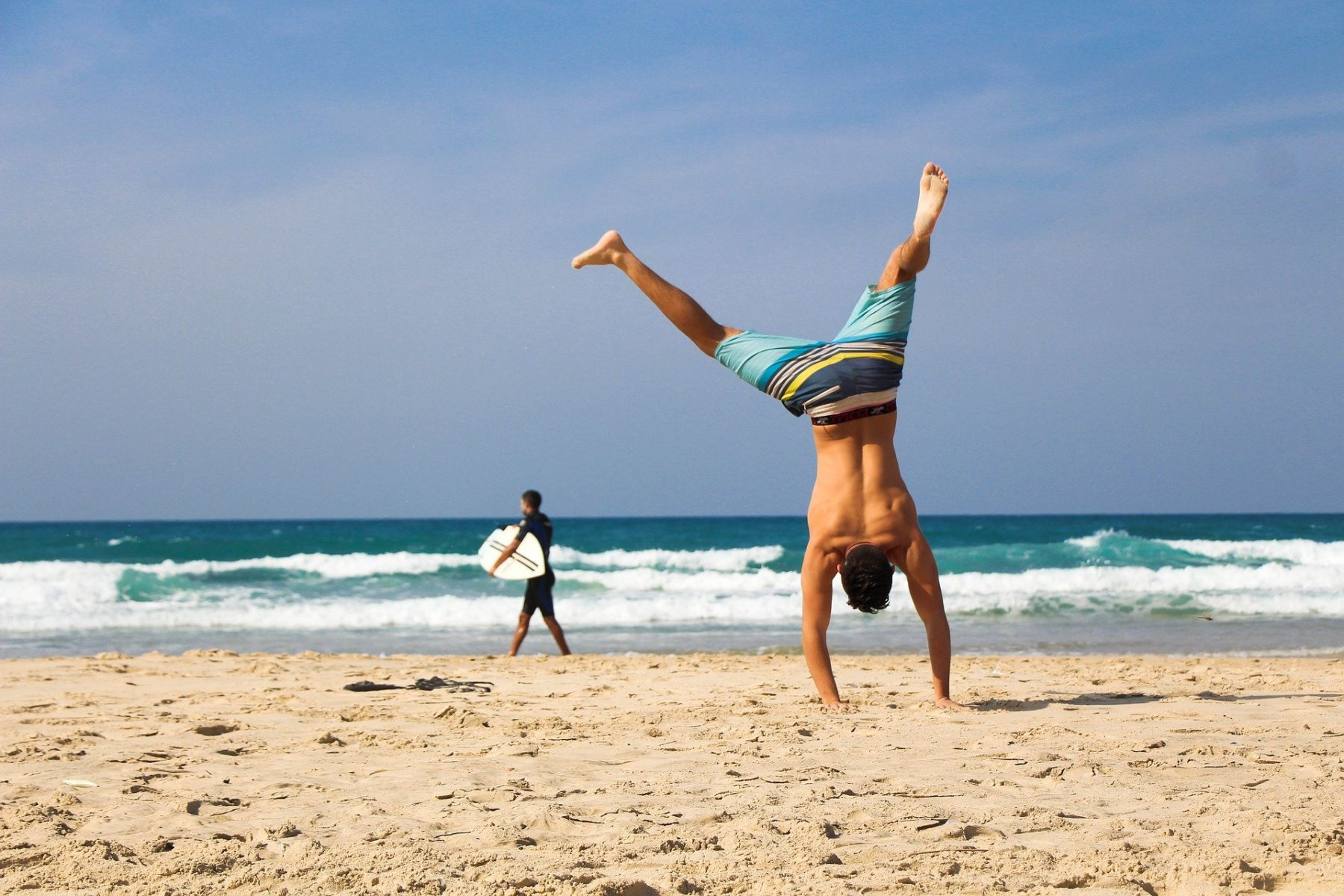 Handstand am Strand