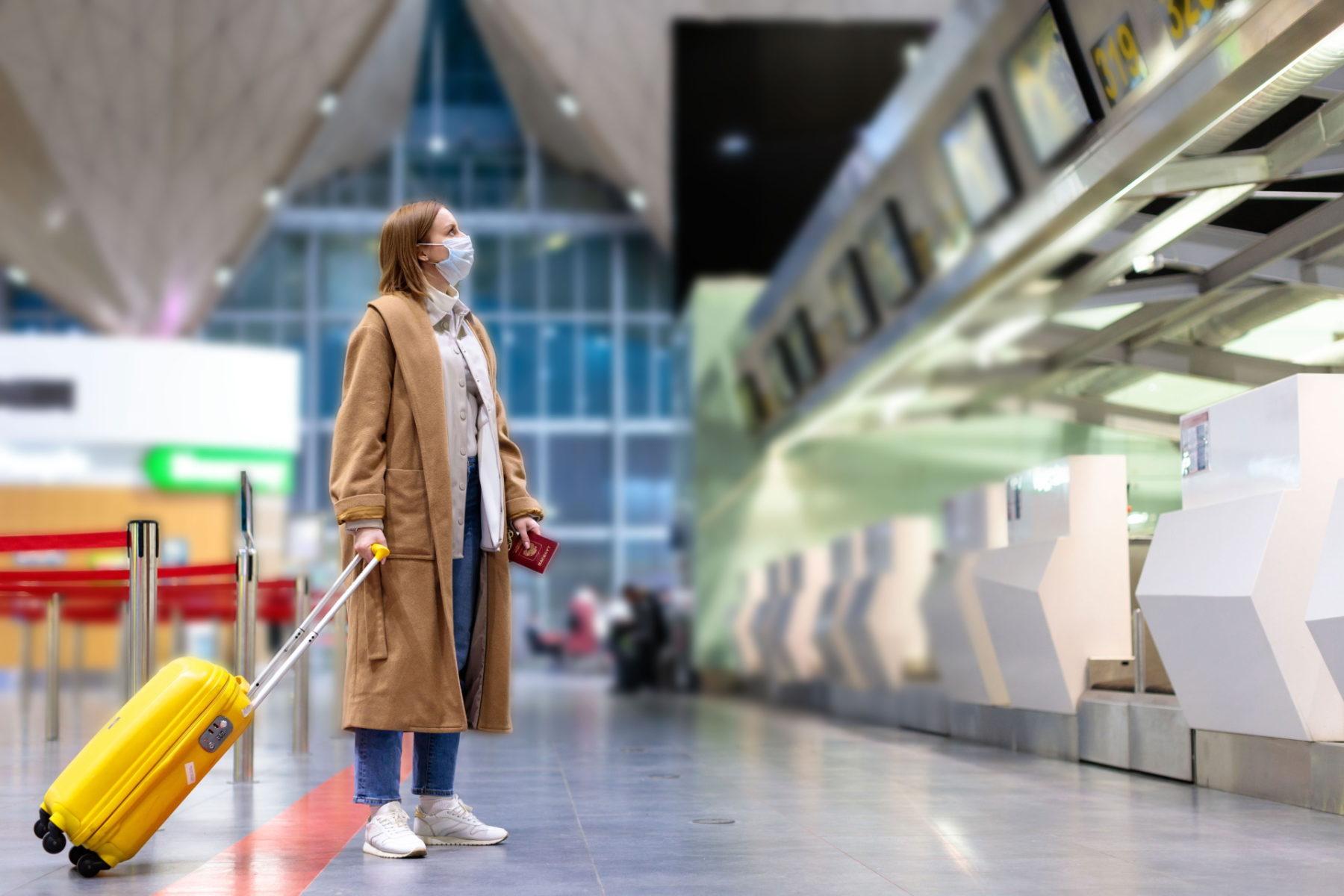 Mundschutz Flughafen